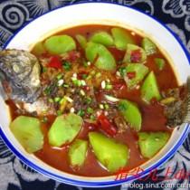 鯽魚燉萵苣的做法