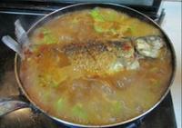 鯽魚燉萵苣的做法圖解11