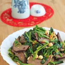 醬豬肝拌菠菜的做法