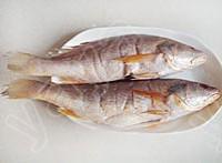 家常乾燒黃花魚的做法圖解1