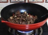 風味土豆絲炒排骨的做法圖解7