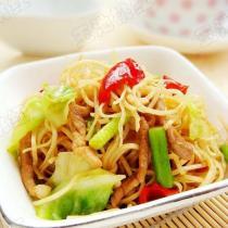 蒜苔肉絲炒麵