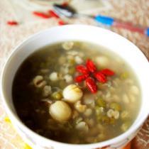 綠豆蓮子薏米粥