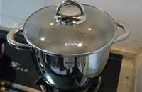 蓮藕腔骨湯的做法圖解12