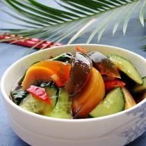 黃瓜拌皮蛋的做法