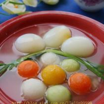 彩蔬鴿蛋湯