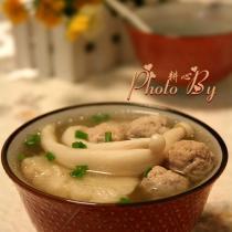 菌菇肉丸甘蔗湯