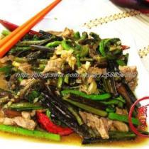 水蕨菜炒肉絲的做法