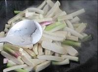 青蒜蛋皮炒香乾的做法圖解9