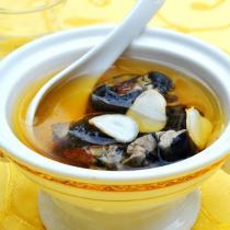 靈芝西洋參烏雞湯的做法