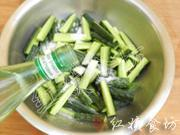 酸辣香脆黃瓜條的做法圖解3