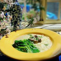 雞肝芥菜小米麵