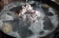 醬汁肘子肉的做法圖解2