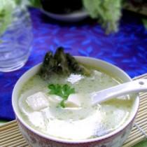 泥鰍豆腐湯