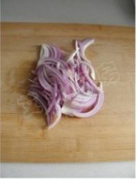 孜然洋蔥炒雞胗的做法圖解1