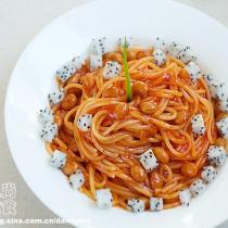 火龍果茄汁黃豆義麵