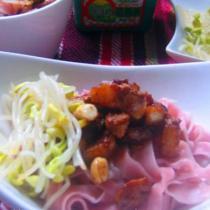 茭白花生肉丁炸醬麵