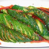 涼拌扭條黃瓜的做法
