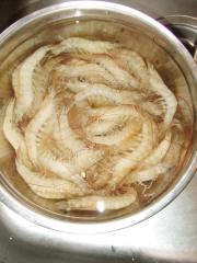 白灼蝦的做法圖解1