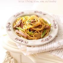 牛排炒義麵