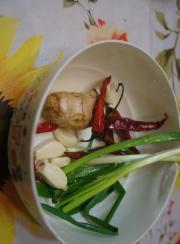 香辣菠菜蛋皮的做法圖解2