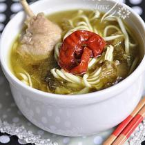 酸菜鴨肉麵