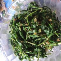 花生碎拌山菜的做法