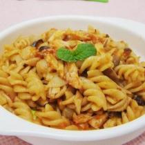 蘑菇蝦仁炒義麵