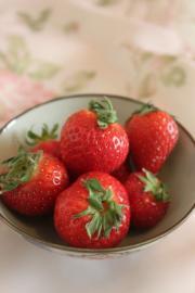 草莓奶昔的做法圖解2