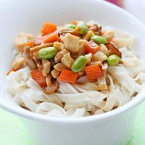 蟹味菇雞丁雜蔬拌麵