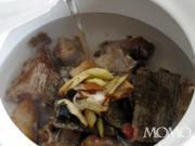 杜仲黑豆排骨湯的做法圖解10