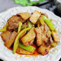 杏鮑菇炒肉的做法