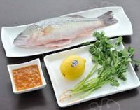 檸香酸湯鱸魚的做法圖解1