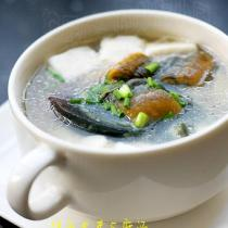 鱔魚皮蛋豆腐湯