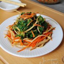 野生薺菜拌豆乾的做法