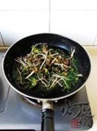 野生薺菜拌豆乾的做法圖解2