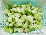 家常清炒絲瓜的做法圖解1