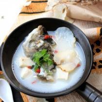 天麻魚頭湯